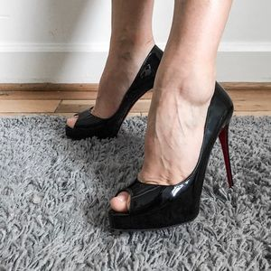 Louboutin New Very Prive